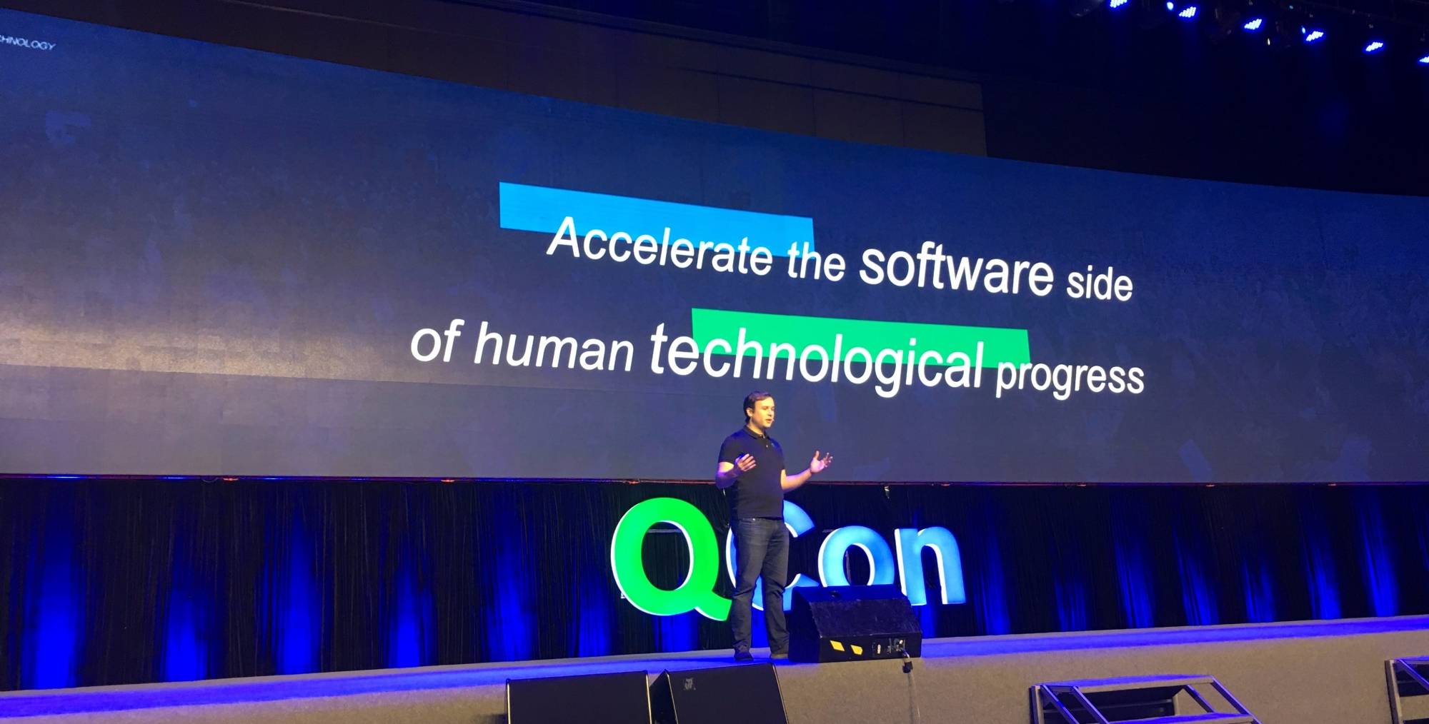 Floyd Marinescu presenting the mission of InfoQ & QCon.